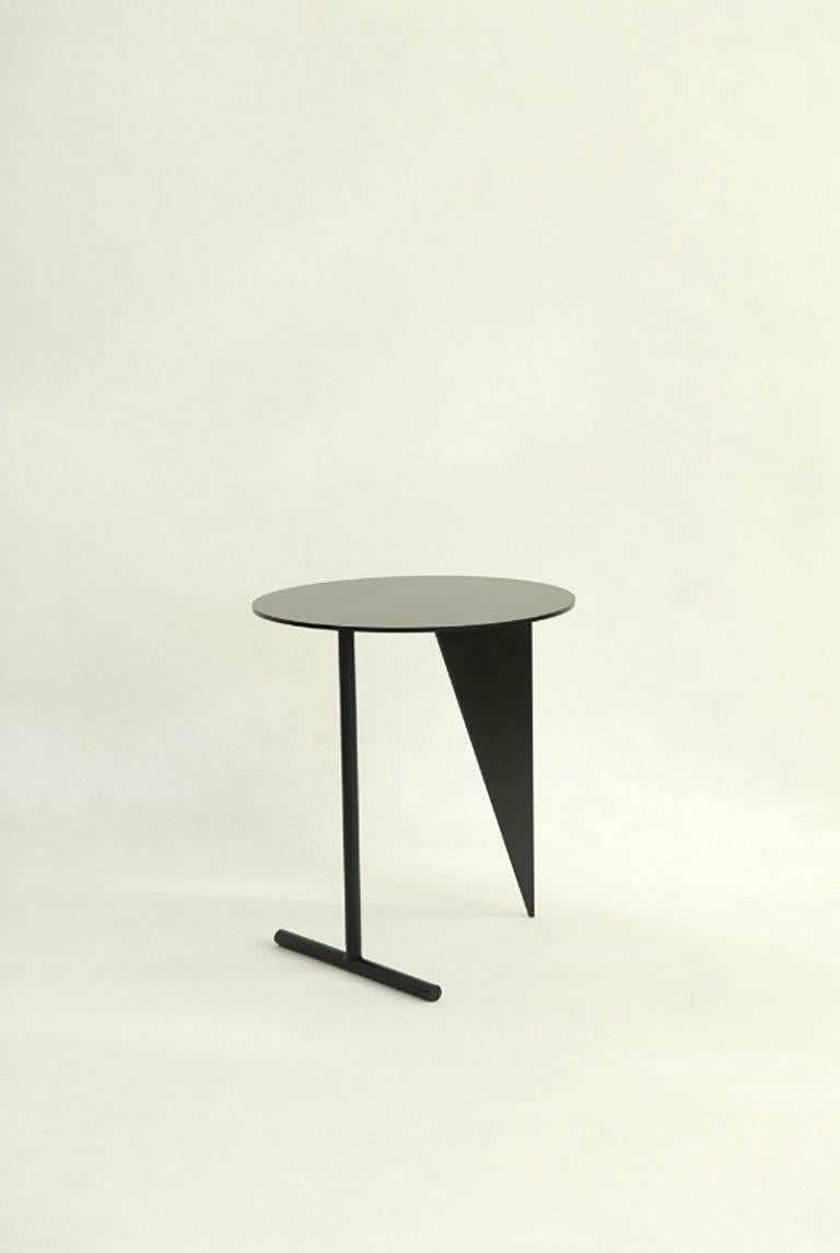 Modern Max Enrich Powder Coated Iron Contemporary circular Side Table