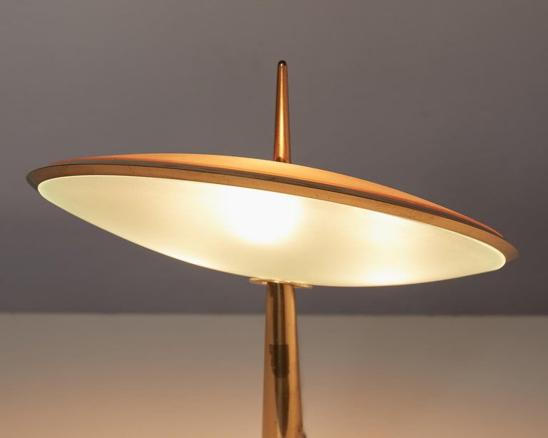 Italian Max Ingrand Brass and Etched Glass Table Lamp Model 1538 by Fontana Arte, 1950 For Sale