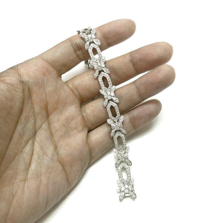 Round Cut Round Natural Diamonds 8.31 Carat Slim Platinum Bracelet For Sale