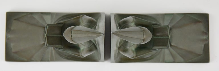 Max Le Verrier Art Deco Bookends Reading Medieval Ladies, France, 1930 For Sale 3