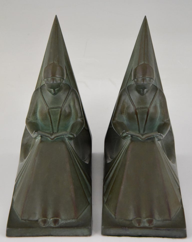 French Max Le Verrier Art Deco Bookends Reading Medieval Ladies, France, 1930 For Sale