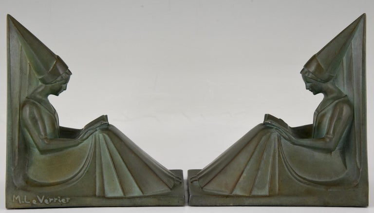 Patinated Max Le Verrier Art Deco Bookends Reading Medieval Ladies, France, 1930 For Sale