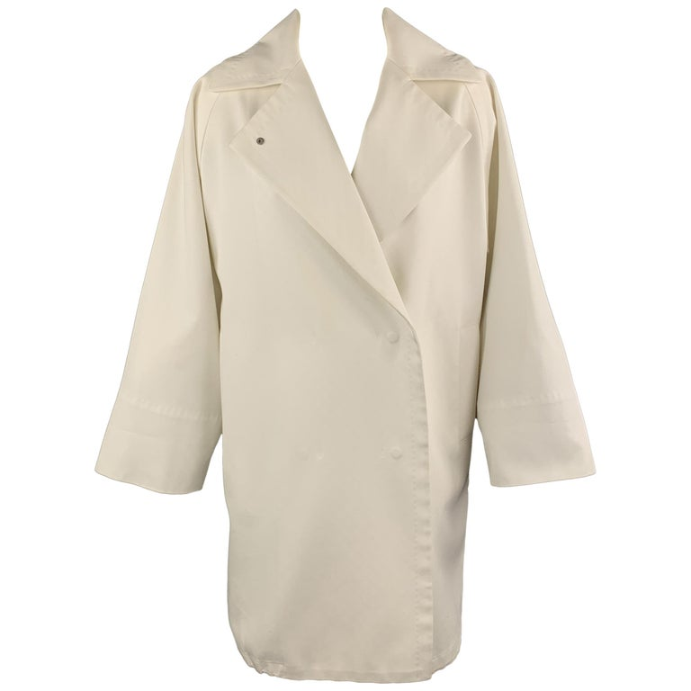 MAX MARA Size 2 White Cotton Hidden Snap Pointed Lapel Coat For Sale
