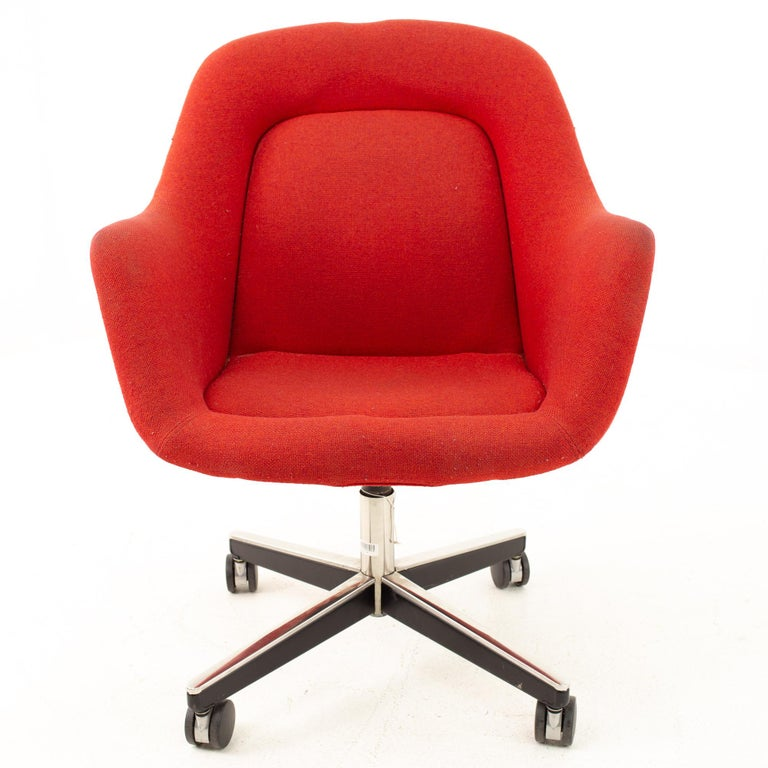 Mid-Century Modern Max Pearson for Knoll Mid Century Red Upholstered Office Desk Chair For Sale