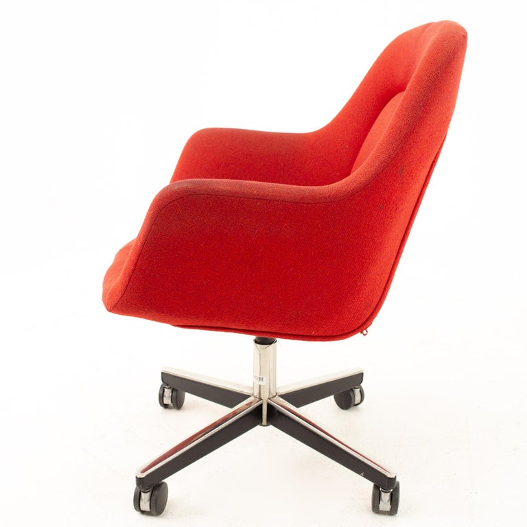 Max Pearson for Knoll Mid Century Red Upholstered Office Desk Chair In Good Condition For Sale In La Grange, IL
