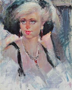 BLONDE WITH ART DECO NECKLACE