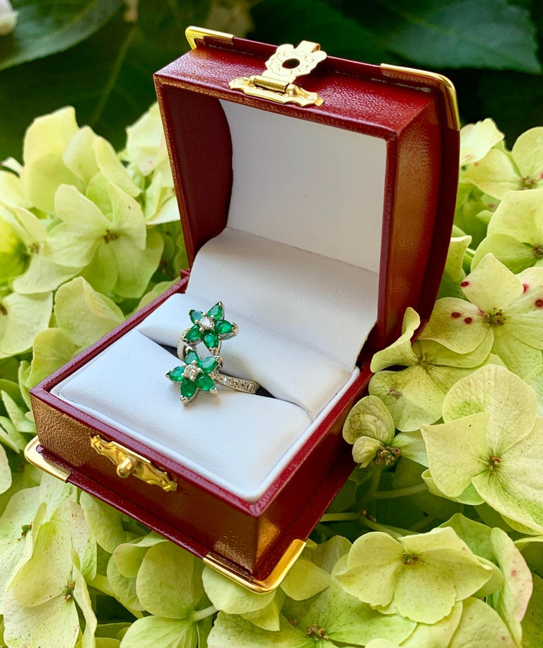 Vivid Green Emerald and Diamond 18 Karat White Gold Double Flower Ring For Sale 3