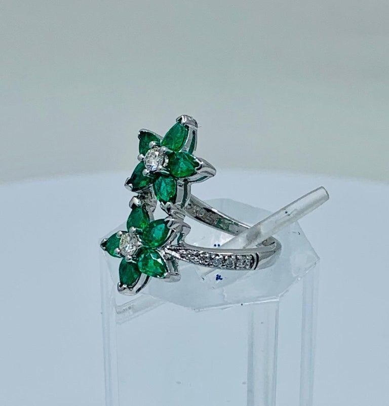 Vivid Green Emerald and Diamond 18 Karat White Gold Double Flower Ring For Sale 1