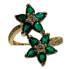 May Birthstone Double Flower Vivid Emerald Diamond 18 Karat White Gold Ring