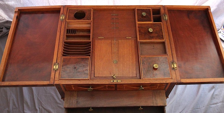 Inlay Mayhew & Ince Sheraton Style Dressing Table, circa 1780 For Sale