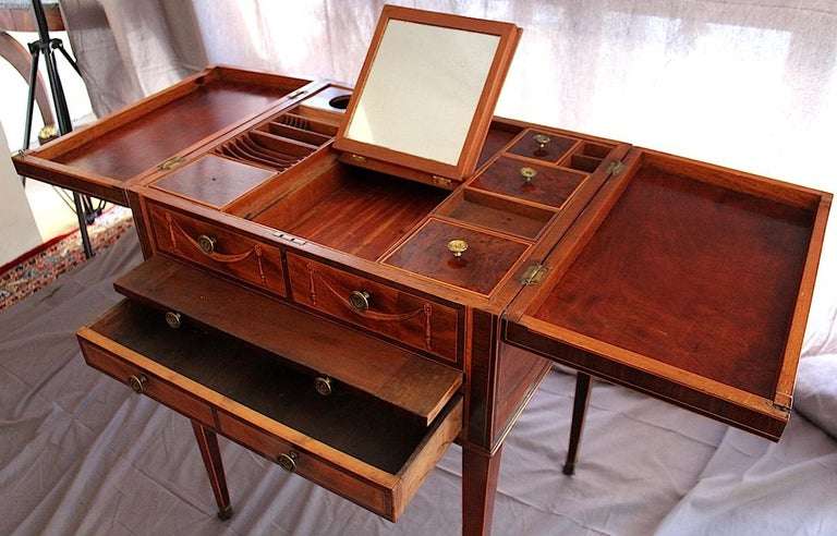 Mayhew & Ince Sheraton Style Dressing Table, circa 1780 In Good Condition For Sale In Stamford, GB