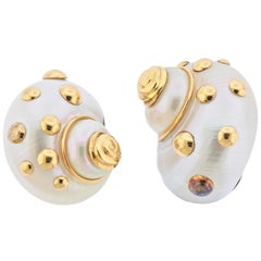 Maz Shell Gold Earrings