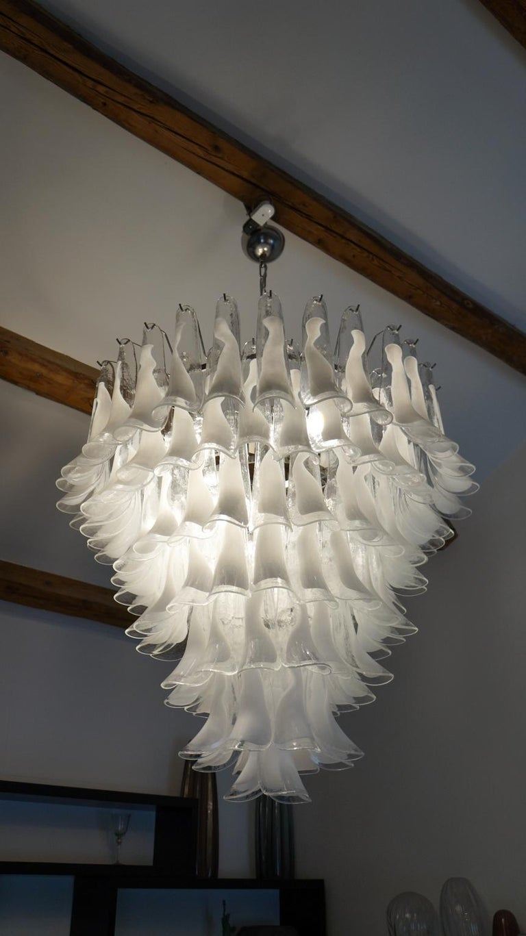 Mazzega Mid-Century Modern White Murano Glass Selle Chandelier, 1988s For Sale 7