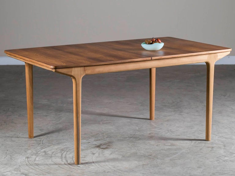 McIntosh Kirkcaldy Teak Two-Leaf Teak Vintage Dining Table, Scotland, circa 1960 In Excellent Condition For Sale In Houston, TX