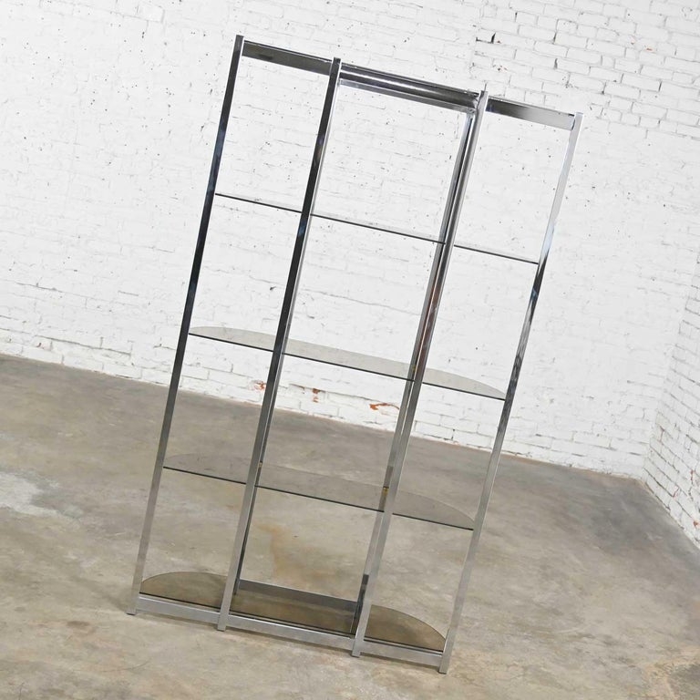 MCM Bow Shape Chrome Étagère 5 Smoked Glass Shelves Style of James David or DIA For Sale 5