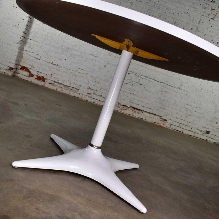 MCM Brody Chicago Round Pedestal Dining Table Enameled Star Base & Laminate Top For Sale 5