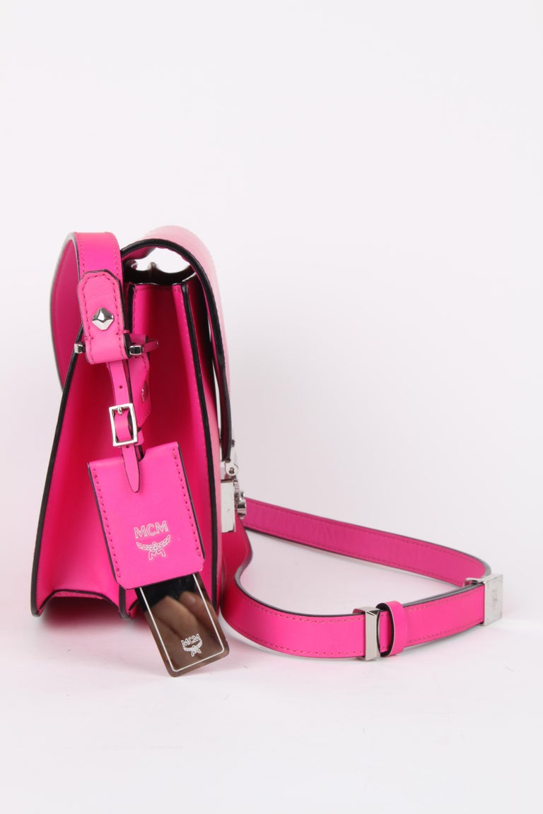 MCM Electric Pink Patricia Calfskin Crossbody Bag In Excellent Condition For Sale In Baarn, NL