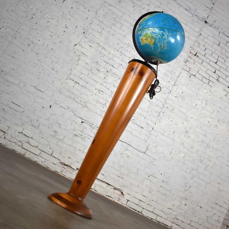 MCM Repogle World Horizon Series Lighted World Globe on Custom Pine Stand In Good Condition For Sale In Topeka, KS