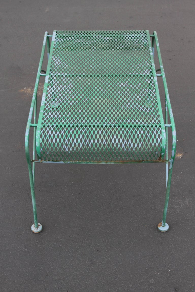 MCM Salterini Wrought Iron Patio or Garden Bench In Good Condition For Sale In St. Louis, MO