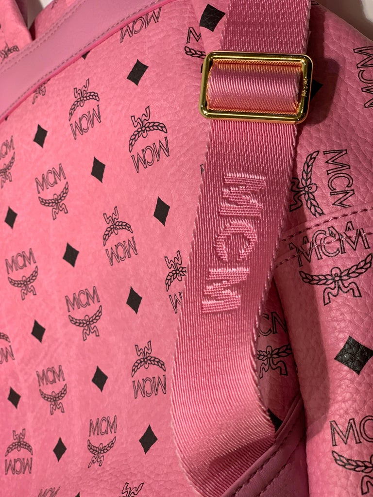 MCM Worldwide Medium Stark Backpack Pink and Black Visetos with Gold Studs For Sale 7