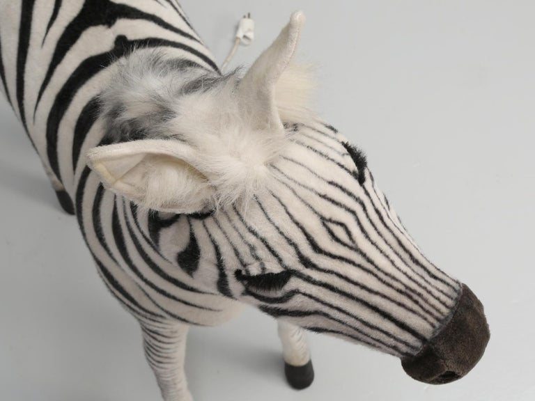 Mechanical or Animated Stuffed Zebra, by Hansa In Good Condition For Sale In Chicago, IL