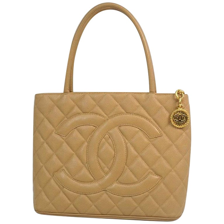 Medallion tote  Womens  tote bag A01804  beige x gold hardware Leather For Sale