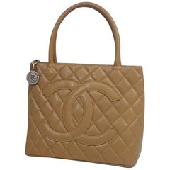 Medallion tote  Womens  tote bag A01804  beige x silver hardware
