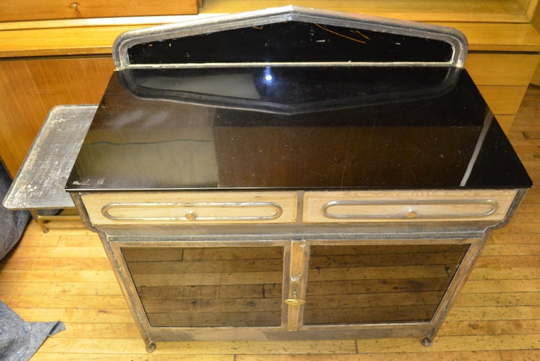 Medical Cabinet from the Art Deco Period, circa 1920s For Sale 1
