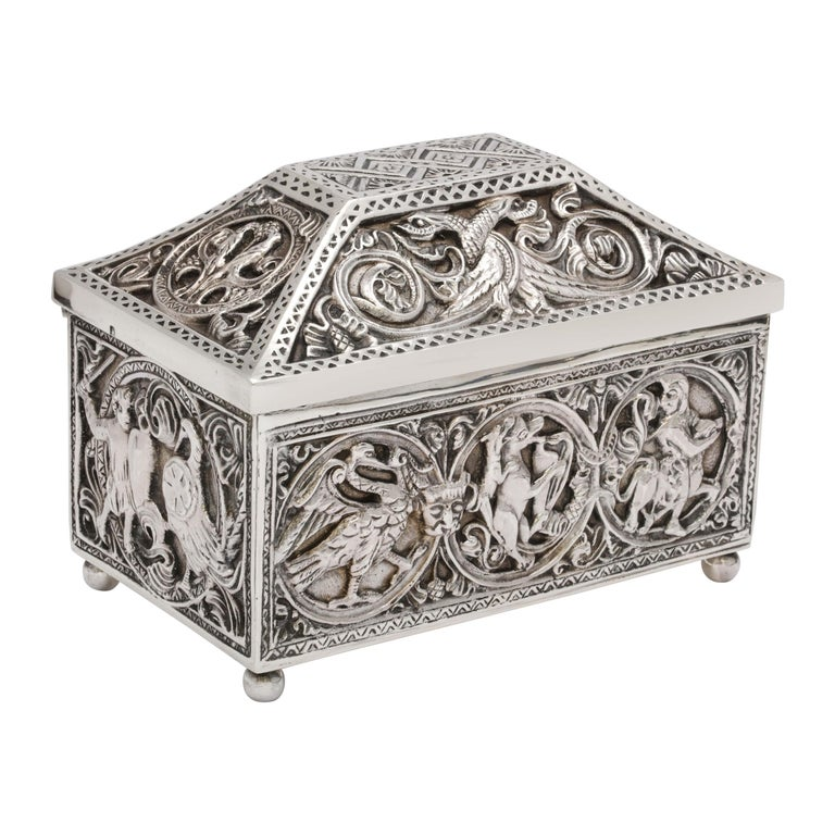 Medieval-Style Sterling Silver '.950' Footed Jewelry Box with Hinged Lid, Paris For Sale