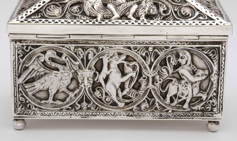 Medieval-Style Sterling Silver '.950' Footed Jewelry Box with Hinged Lid, Paris For Sale 7
