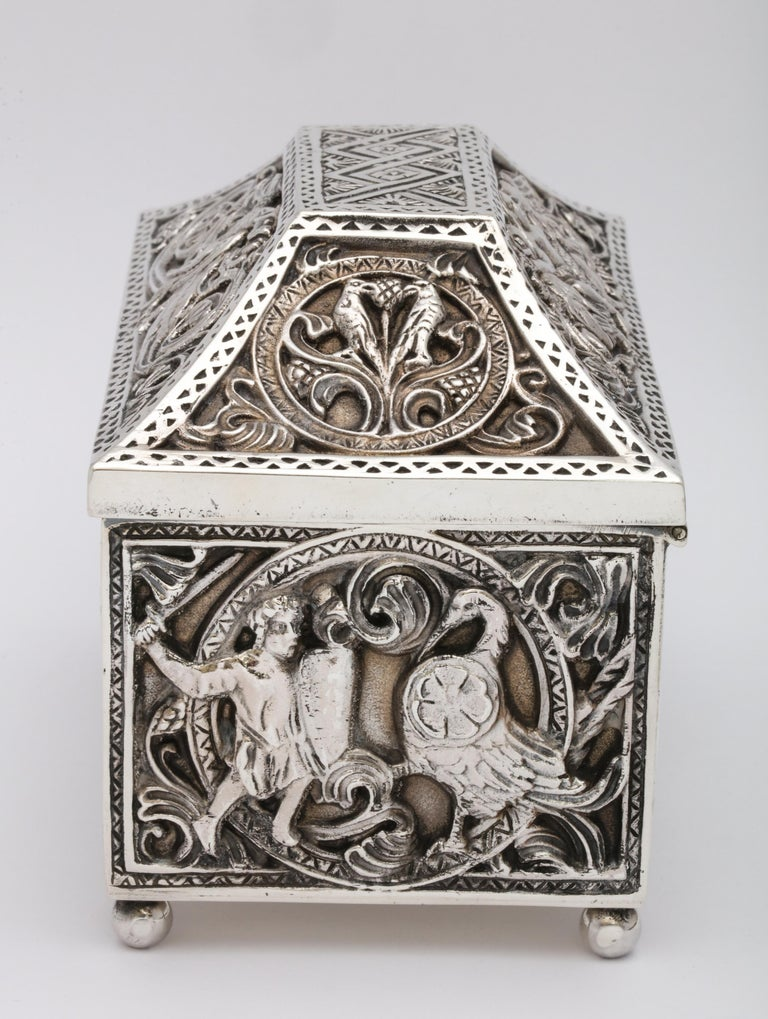 Medieval-Style Sterling Silver '.950' Footed Jewelry Box with Hinged Lid, Paris For Sale 9