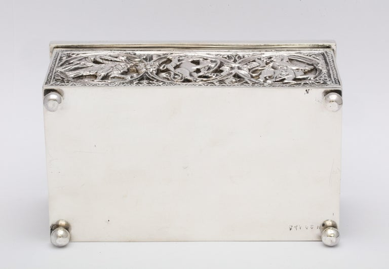 Medieval-Style Sterling Silver '.950' Footed Jewelry Box with Hinged Lid, Paris For Sale 15