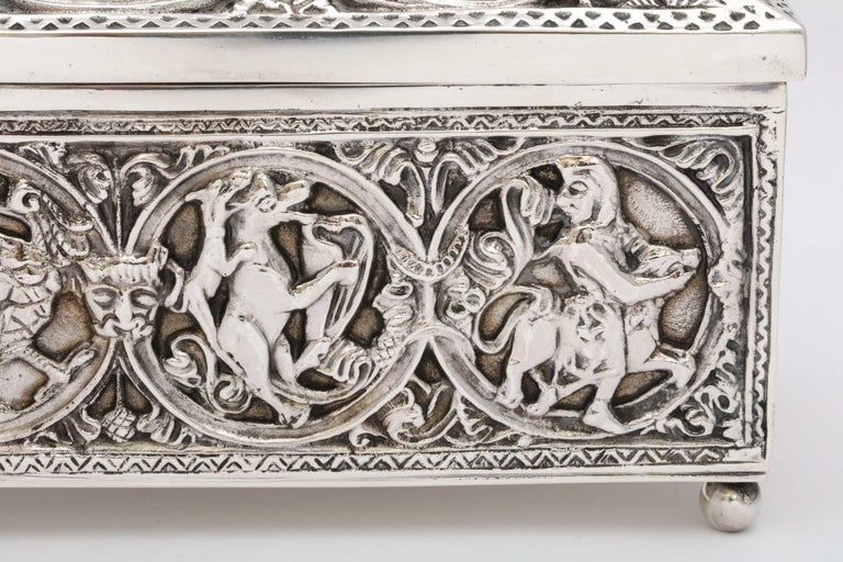 Medieval-Style Sterling Silver '.950' Footed Jewelry Box with Hinged Lid, Paris For Sale 2