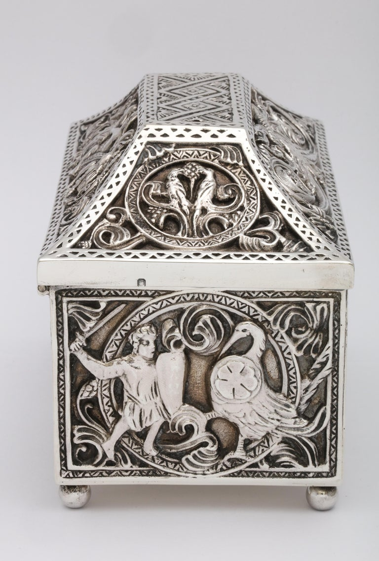 Medieval-Style Sterling Silver '.950' Footed Jewelry Box with Hinged Lid, Paris For Sale 3