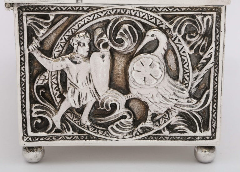 Medieval-Style Sterling Silver '.950' Footed Jewelry Box with Hinged Lid, Paris For Sale 4
