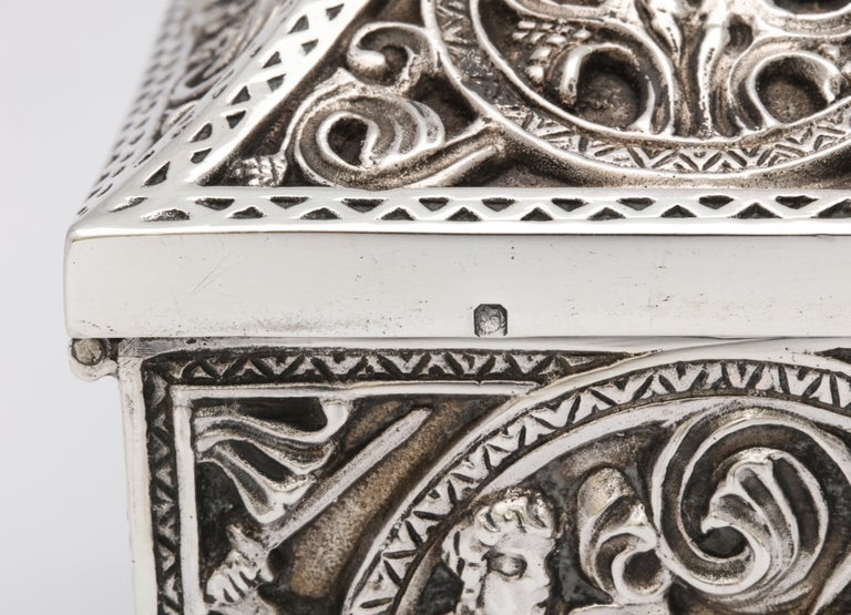 Medieval-Style Sterling Silver '.950' Footed Jewelry Box with Hinged Lid, Paris For Sale 5