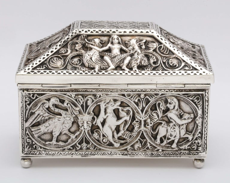 Medieval-Style Sterling Silver '.950' Footed Jewelry Box with Hinged Lid, Paris For Sale 6