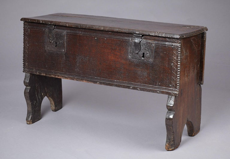Medieval, Tudor Oak Boarded Chest, Henry VII / VIII, English, circa 1480-1530 For Sale 11