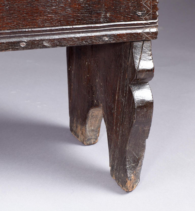 Medieval, Tudor Oak Boarded Chest, Henry VII / VIII, English, circa 1480-1530 For Sale 1