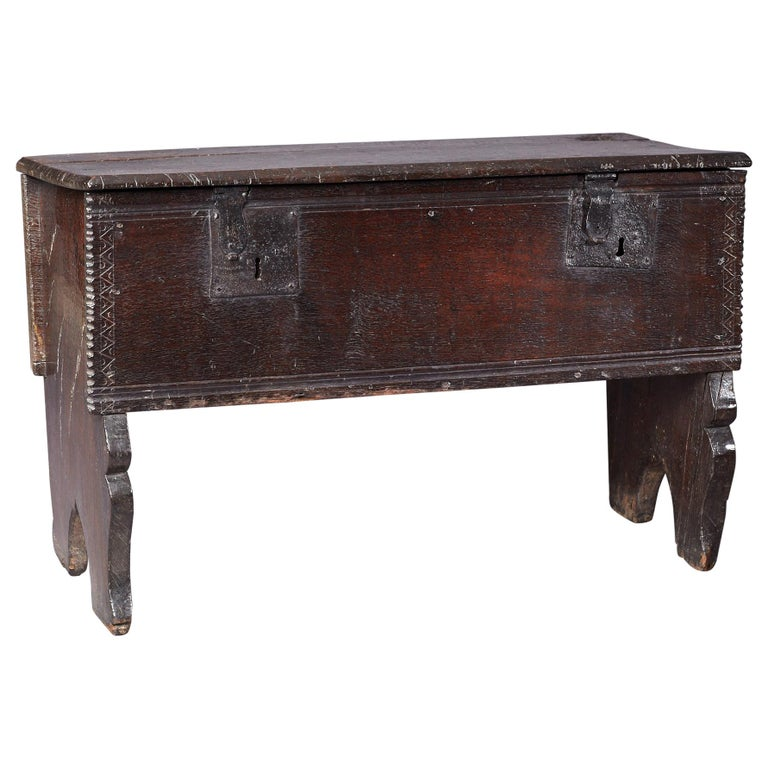 Medieval, Tudor Oak Boarded Chest, Henry VII / VIII, English, circa 1480-1530 For Sale