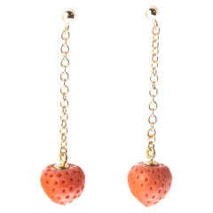 Mediterranean Coral Strawberry 18 Karat Gold Chain Drop Chic Cocktail Earrings
