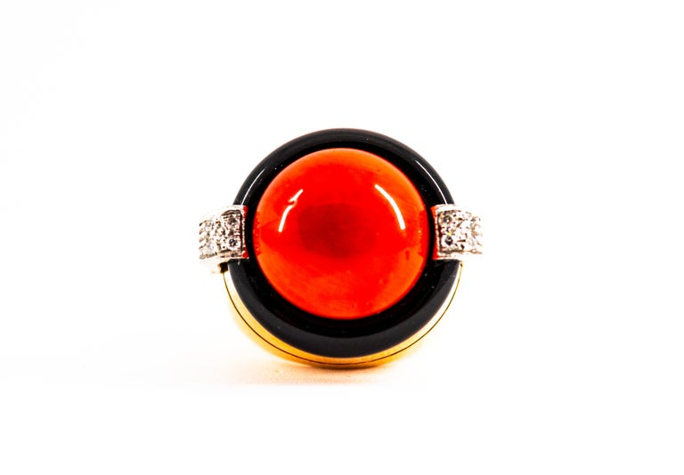 Mediterranean Red Coral 0.10 Carat White Diamond Onyx Yellow Gold Cocktail Ring In New Condition For Sale In Naples, IT