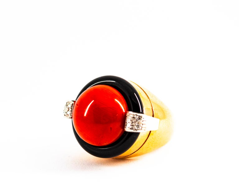 Mediterranean Red Coral 0.10 Carat White Diamond Onyx Yellow Gold Cocktail Ring For Sale 1