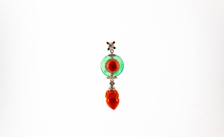 Mediterranean Red Coral 0.42 Carat White Black Diamond Jade White Gold Necklace In New Condition For Sale In Naples, IT