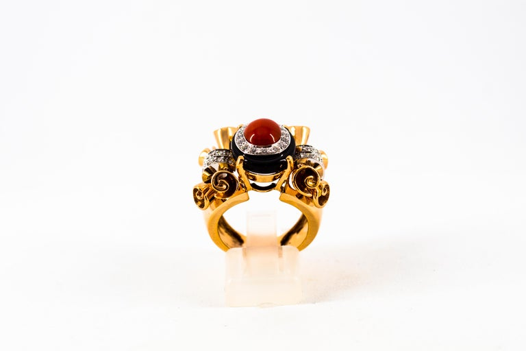 Mediterranean Red Coral 0.47 Carat White Diamond Onyx Yellow Gold Cocktail Ring In New Condition For Sale In Naples, IT