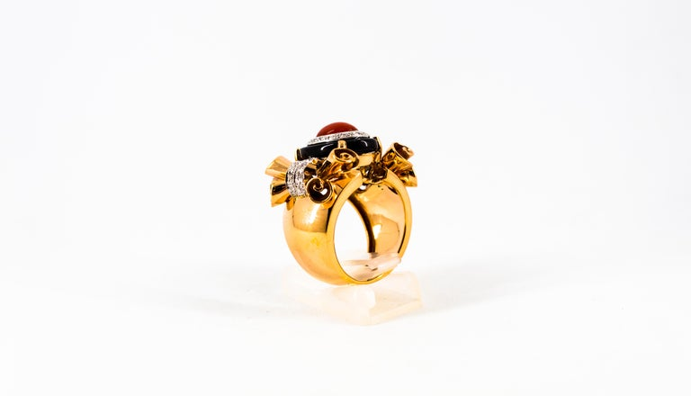 Mediterranean Red Coral 0.47 Carat White Diamond Onyx Yellow Gold Cocktail Ring For Sale 1