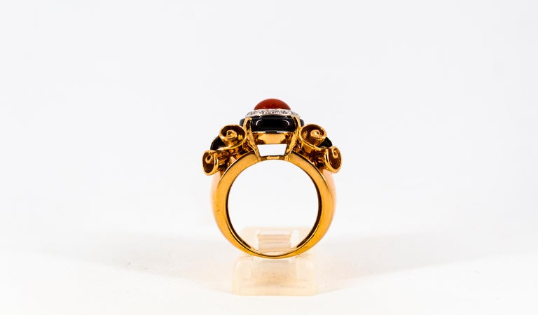 Mediterranean Red Coral 0.47 Carat White Diamond Onyx Yellow Gold Cocktail Ring For Sale 2