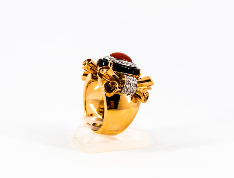 Mediterranean Red Coral 0.47 Carat White Diamond Onyx Yellow Gold Cocktail Ring For Sale 3