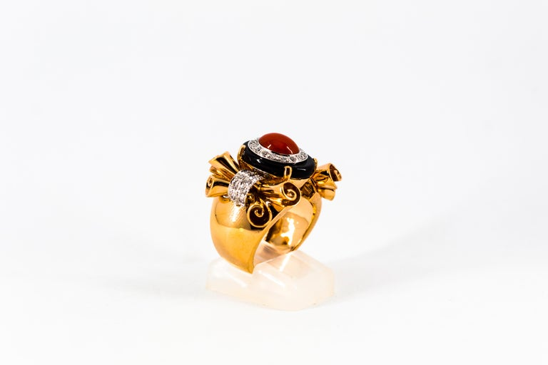 Mediterranean Red Coral 0.47 Carat White Diamond Onyx Yellow Gold Cocktail Ring For Sale 4