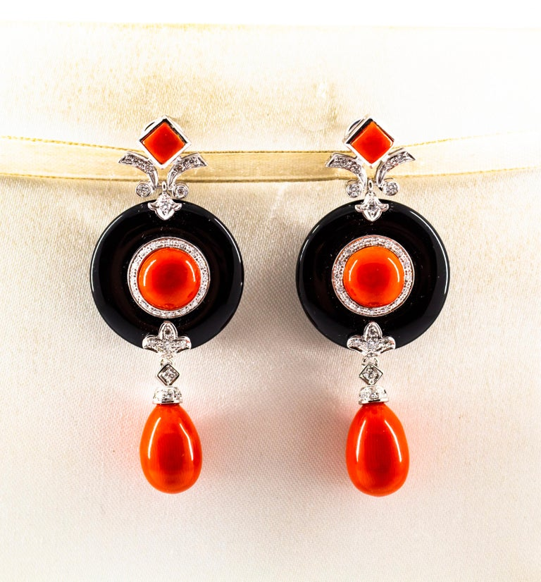Art Deco Mediterranean Red Coral 0.70 Carat White Diamond Onyx White Gold Drop Earrings For Sale